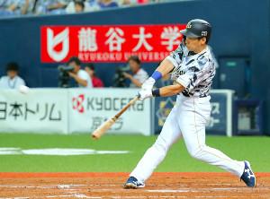 5回1死満塁、オリックス・吉田正が中越えに逆転満塁本塁打を放つ