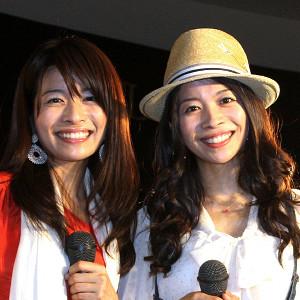 三倉茉奈(左)と三倉佳奈