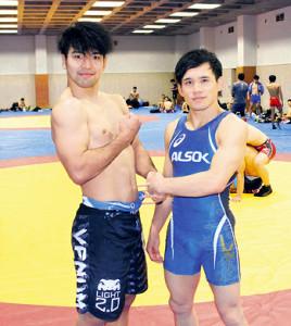 ともにアジア大会初出場Vを狙う藤波(左)と高橋