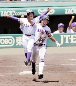 横浜との3回戦の8回1死一、二塁、逆転3ランを放った金足農・高橋