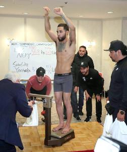 3月の山中慎介(帝拳)とのWBC世界バンタム級タイトルマッチ(53・5キロ)で、体重超過のため王座剥奪されたルイス・ネリ