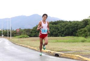 ニューカレドニア・モービル国際マラソンで優勝した川内優輝