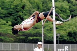 陸上・07年のジャパンパラリンピック陸上競技大会の走り高跳び競技