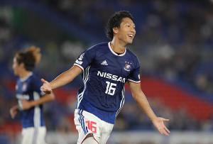 後半33分、横浜M・伊藤が自身2点目となるゴールを決める