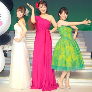 豪華なドレス姿でも観客を魅了した(左から)杜このみ、市川由紀乃、丘みどり(カメラ・森田 俊弥)