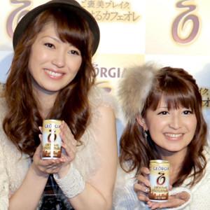 飯田圭織(左)と矢口真里