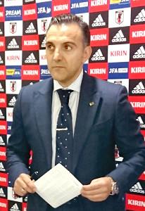 フットサル日本代表のイラン遠征メンバーを発表するブルーノ・ガルシア監督