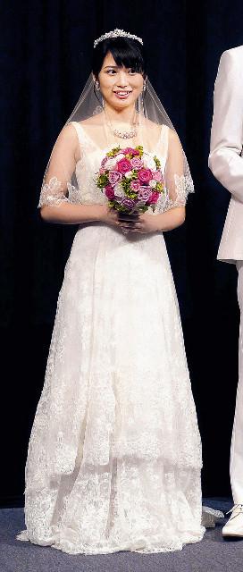 映画のイベントで花嫁姿を披露していた志田未来(2016年)