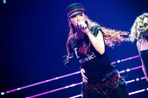 引退前夜に行われたラストライブで歌う安室奈美恵