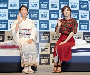 初共演した浅田真央さんと石川佳純