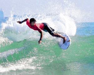 サーフィンのワールドゲームズで日本人初の銀メダルを獲得した五十嵐カノアのターン(カメラ・太田 涼)