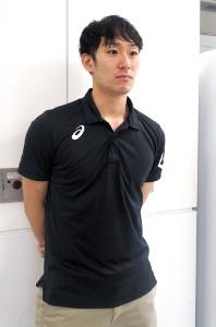 成田空港に到着後、取材に応じる柳田将洋