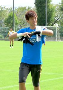 神戸戦に向けた練習を終えクラブハウスに引き上げる浦和GK西川周作