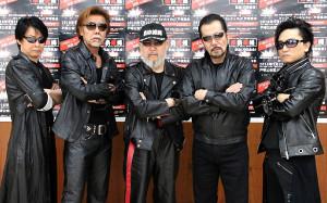 ライブ前に取材に応じた「横浜銀蠅」の(左から)Jack、TAKU、嵐、翔、あつし