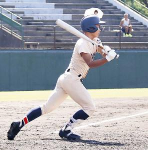 2打数2安打2打点と活躍した遊学館・武田