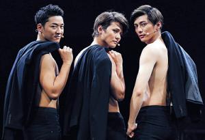 主演舞台が初日を迎えた「Lead」の(左から)谷内伸也、古屋敬多、鍵本輝