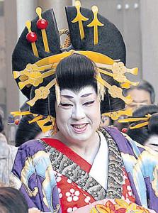 花魁(おいらん)道中を行う梅沢富美男