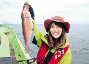 由梨ちゃんが釣った30センチ級のアマダイ(孝太郎丸で)