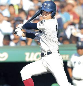 投打で非凡な才能を見せ甲子園で活躍した大阪桐蔭・根尾