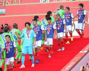 ルヴァン杯決勝で湘南に敗れ準優勝に終わった横浜Mイレブン(カメラ・池内 雅彦)