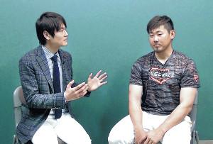 日米野球の中継で、実況と解説という形で初共演する松坂大輔(右)と日本テレビ・上重聡アナウンサー(写真は15年の同局系「Going!」での対談取材から)