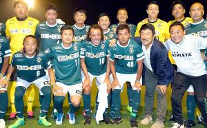 2017年8月14日の永井秀樹三引退試合に参加した際の藤川さん(後列左)