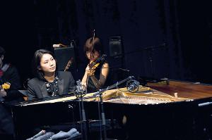 コンサートを行った松下奈緒