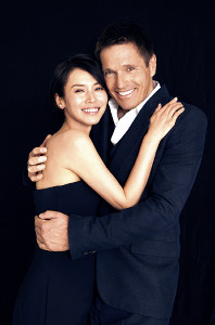 結婚を発表した中谷美紀とティロ・フェヒナー氏。仲むつまじい2ショット写真を公開した