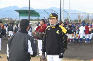熊本県内でイベントに参加したソフトバンクの和田