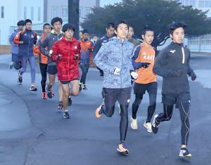 全国大会に向け、練習に励む北海道栄の選手たち
