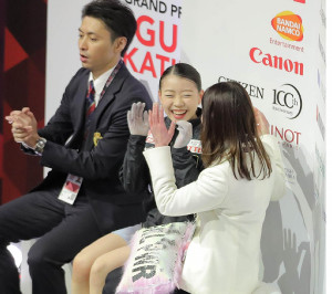 GPファイナル初優勝が決まり、笑顔を見せる紀平梨花(カメラ・相川 和寛)