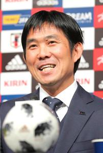 アジア杯の日本代表発表会見を行った森保監督(カメラ・清水 武)
