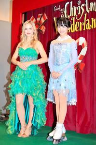 ナタリー・エモンズ(左)と会見する本田望結(カメラ・小泉 洋樹)