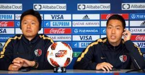 公式会見に出席した大岩剛監督と昌子源(右)