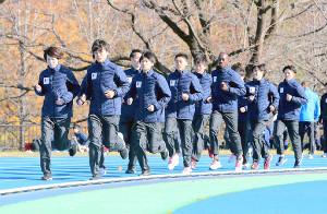 合同取材会で、ランニングを披露した国士舘大学箱根駅伝出走メンバー