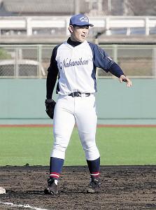 中学時代の中日本選抜のユニホームを着て三塁で途中出場した垣越