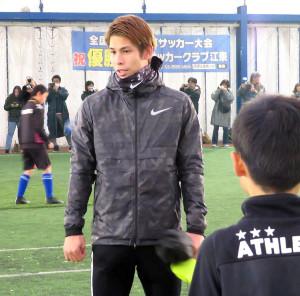 日本代表DF佐々木らがサッカー教室を行った