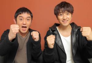 ゆずの北川悠仁(右)と岩沢厚治