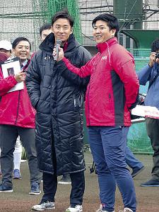 日本ハム・斎藤佑樹投手(11年卒)「野球って楽しいんだよっていうことを分かった上で、遊びの要素を感じながら野球をやることが大事だと思います」