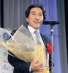史上最多タイの4度目の受賞となった役所広司(カメラ・相川 和寛)