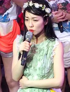 政治の道へ進むことを発表した仮面女子・桜雪