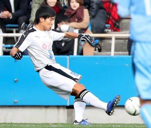 前半10分、チーム2点目となるゴールを決める大津・大竹(カメラ・関口 俊明)