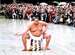 1993年1月28日、新横綱・曙の明治神宮奉納土俵入り。「寒かった。でも雪が降ったから絵になったでしょ」
