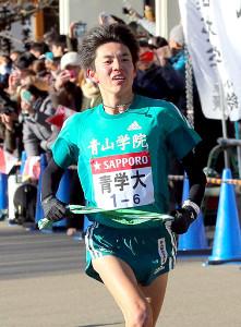 6区で青学大・小野田が区間新の走りを見せる
