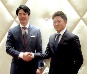 選手会長2年目を迎える石川遼(左)と副会長に就任した今平周吾