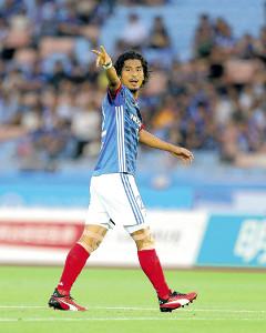 引退を決めた横浜M・中沢。連続出場記録を持つ鉄人がついにピッチを去ることになった