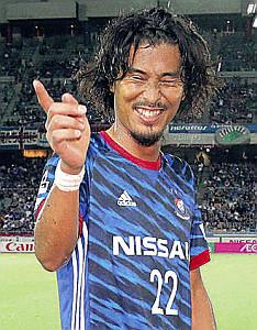 歴代1位タイとなる139試合フル出場を果たした横浜M・中沢