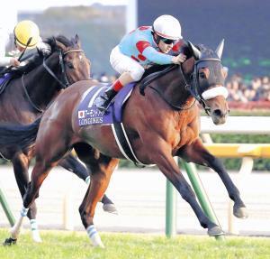 満票で年度代表馬に輝いたアーモンドアイ。今年は海外の大舞台を見据える