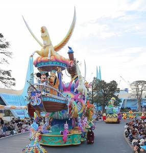 TDLのパレード「ドリーミング・アップ!」がグランドフィナーレ・バージョンになった(カメラ・橘田あかり)
