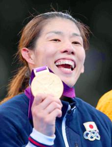 ロンドン五輪で金メダルを獲得した吉田沙保里さん